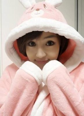 电影学院校花夏馨雨穿粉红睡衣连拍